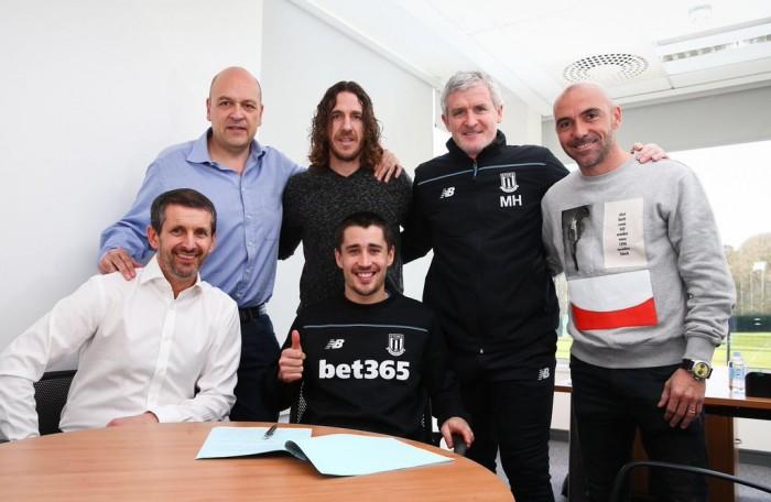Bojan amplía su vinculación con el Stoke City hasta 2020