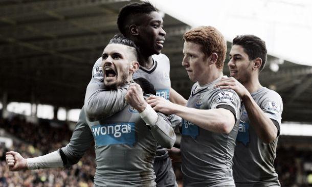 Il Newcastle sbanca l'Hull City: 0-3 e prima vittoria della gestione Carver