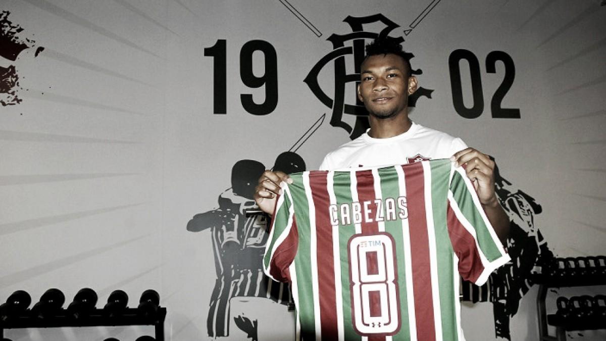 Fluminense anuncia contratação do atacante equatoriano Bryan Cabezas