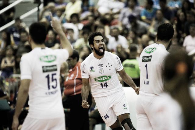 Após título no Sul-Americano, Cruzeiro derrota Sesc-RJ pela Superliga
