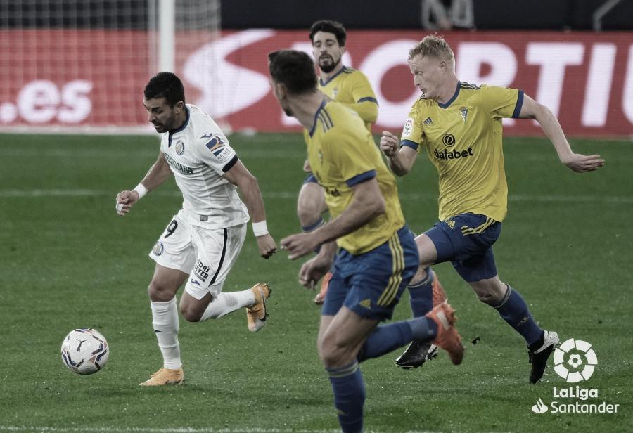 Varapalo del Cádiz CF a manos del Getafe CF (0-2)