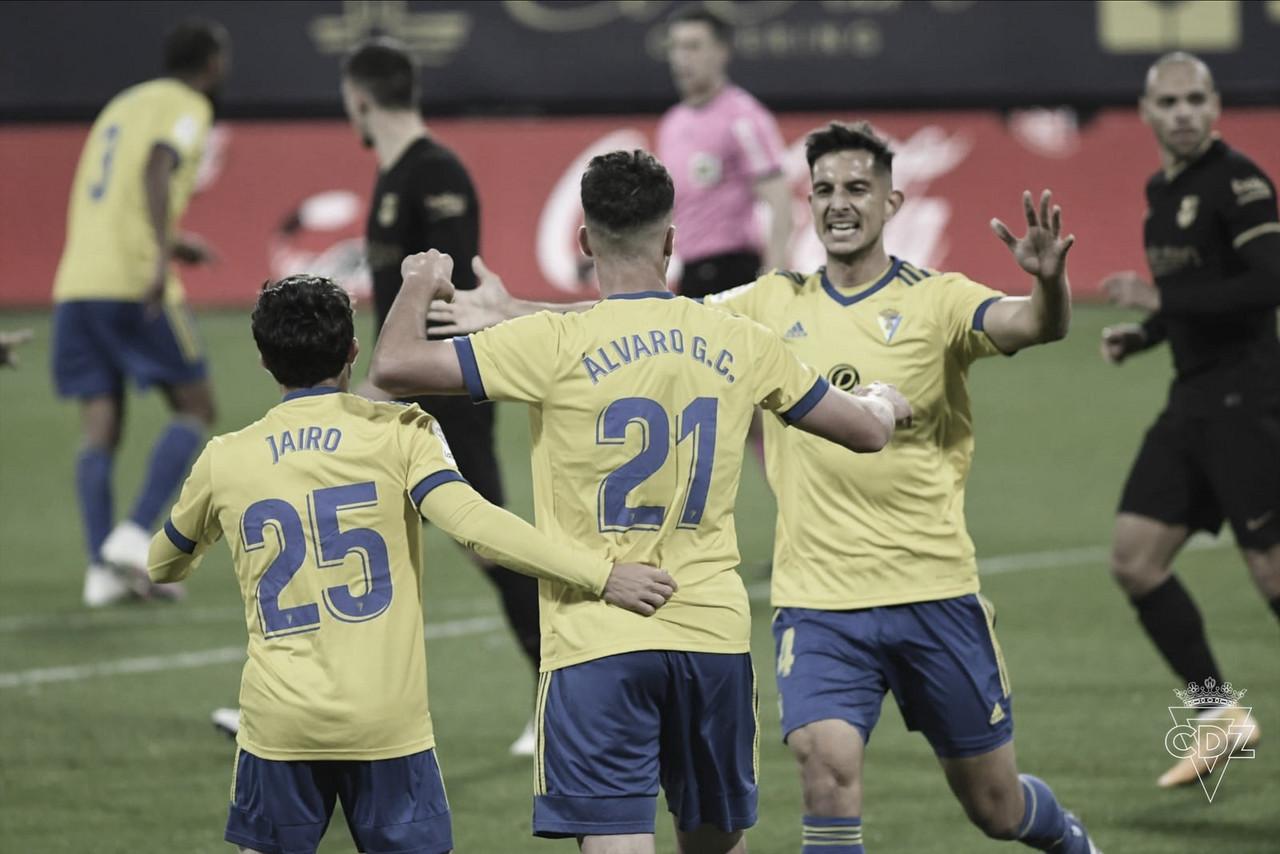 Barcelona para em Ledesma, defesa falha e Cádiz surpreende