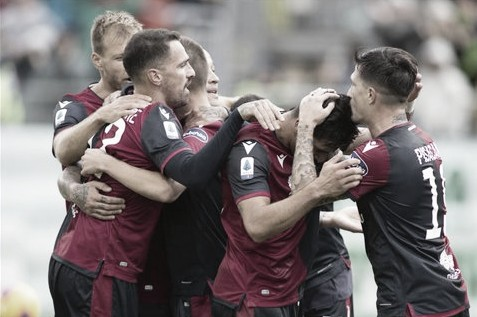 Com show de Nainggolan, Cagliari goleia Fiorentina e entra no G-4 da Serie A