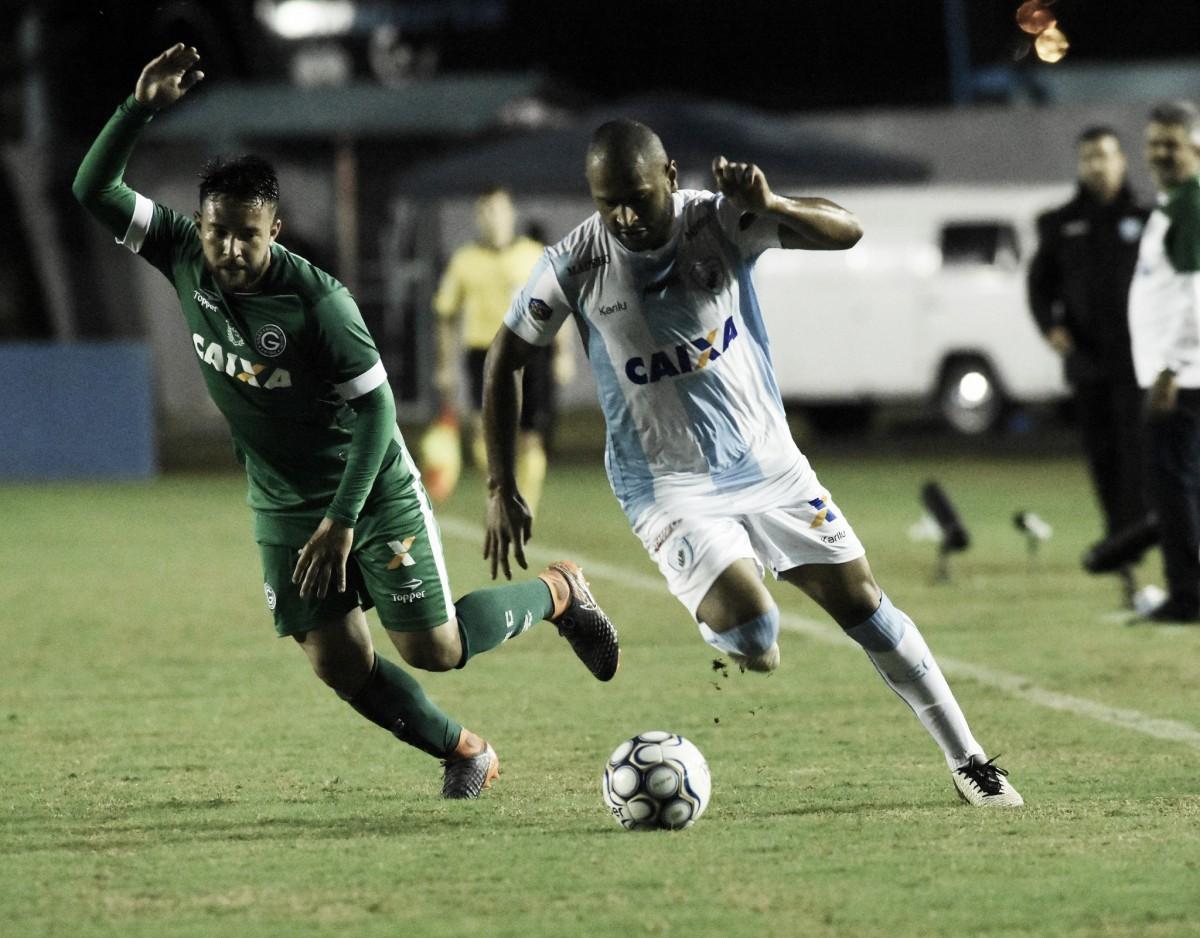 Em jogo polêmico, Goiás derrota Londrina fora de casa e respira na Série B