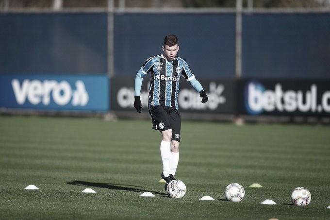 A pedido do Atlético de Madrid, lateral Caio Henrique deixa Grêmio e retorna ao clube espanhol
