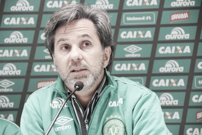 """Caio Júnior se diz orgulhoso da Chapecoense, mas lamenta empate: """"Pênalti foi decisivo"""""""