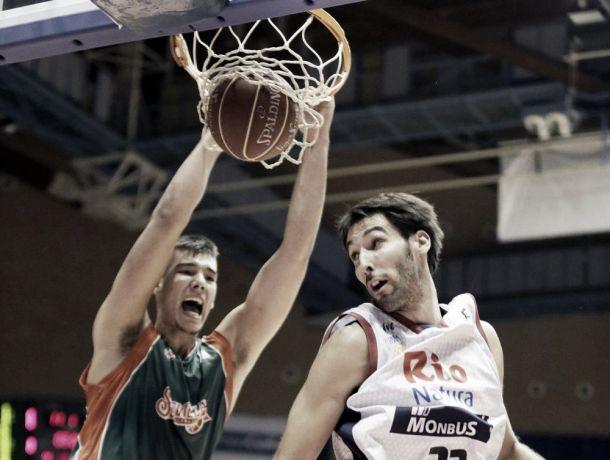 Baloncesto Sevilla - Rio Natura Monbus Obradoiro: mirando hacia arriba
