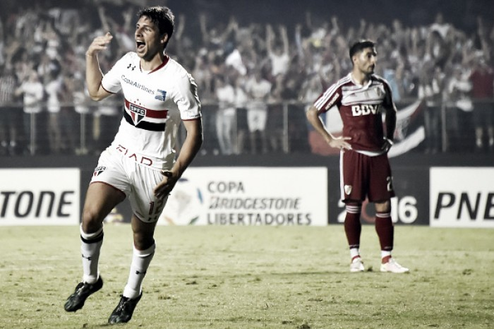 Toca no Calleri que é gol: artilheiro embala São Paulo na Libertadores