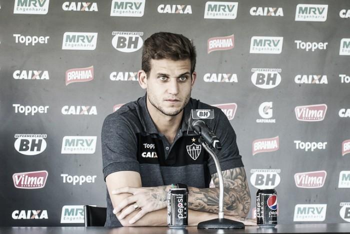 """Rafael Moura mostra confiança em time alternativo do Atlético-MG contra Chape: """"Pode dar certo"""""""