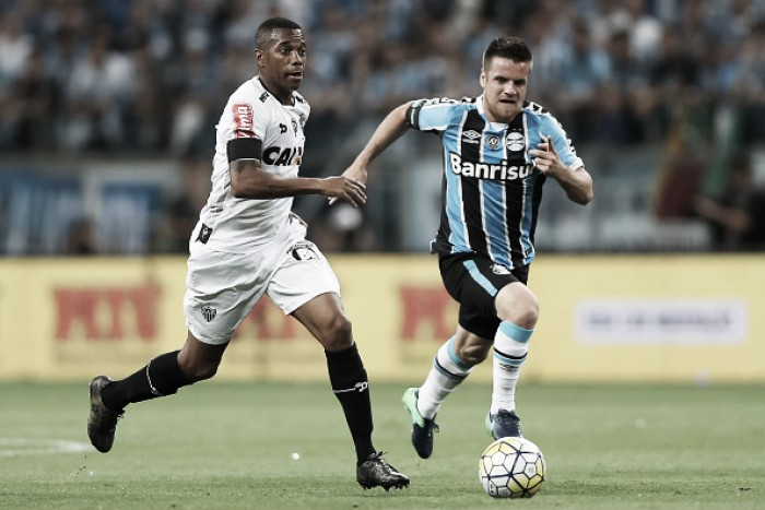 De olho na Libertadores, Grêmio e Atlético-MG duelam com times alternativos