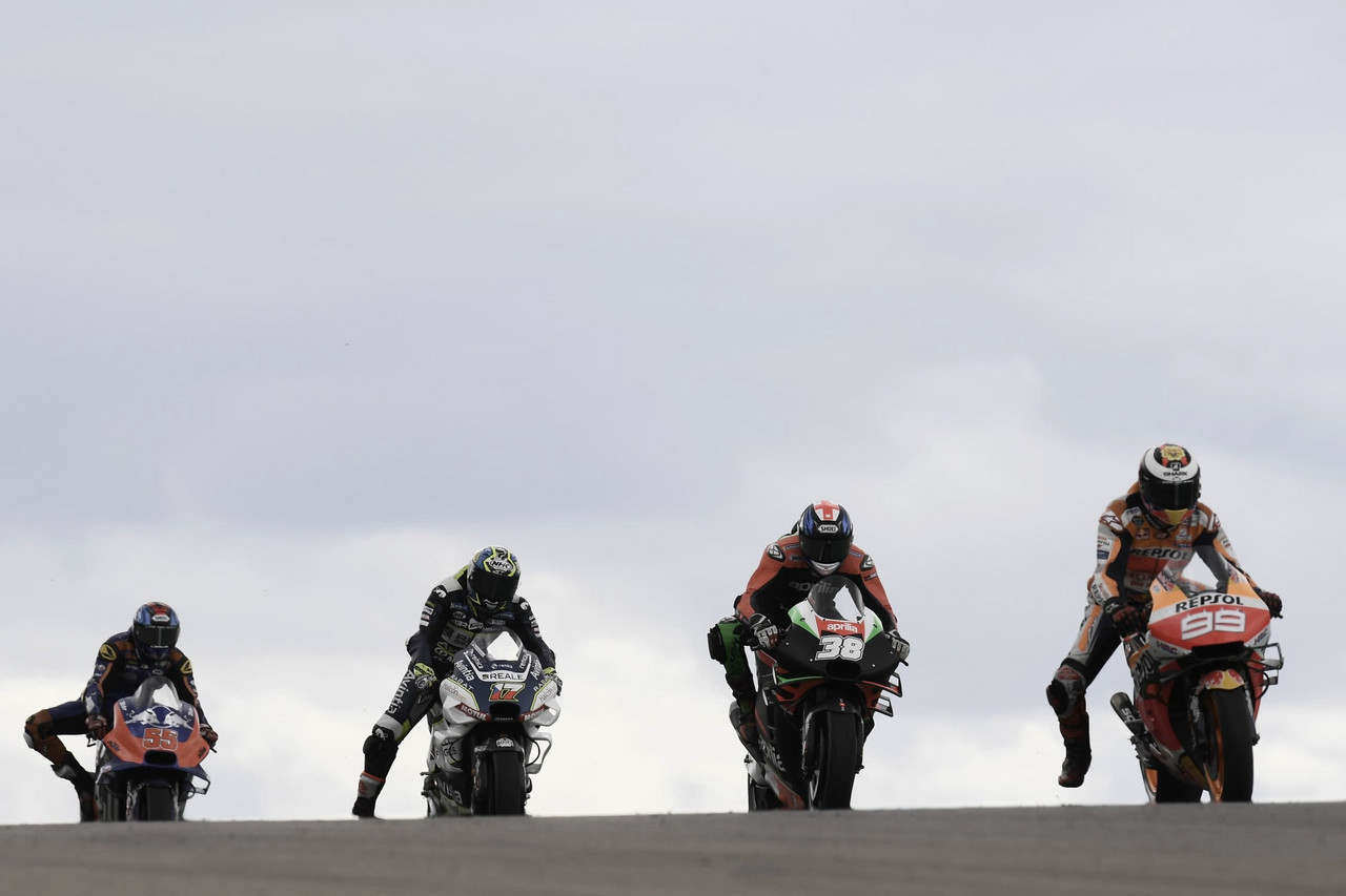 Los equipos de MotoGP proponen Grandes Premios de dos días