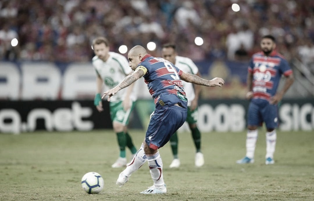 Com dois gols de Wellington Paulista, Fortaleza bate Chapecoense