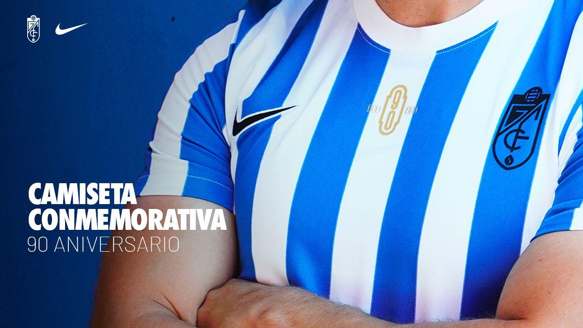 El Granada CF presenta la camiseta de su 90 aniversario