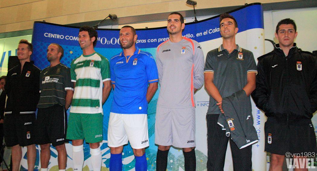 El Real Oviedo presenta sus equipaciones de cara a la temporada 2013/2014
