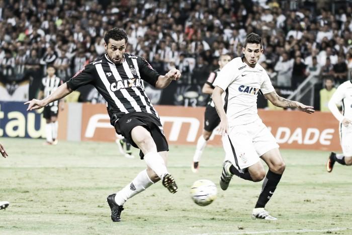Com foco no G-6,Corinthians recebe desfalcado Atlético-MG