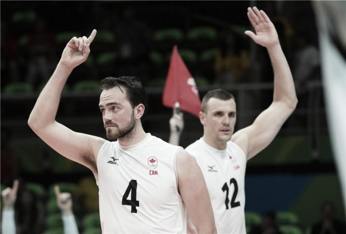 Canadá surpreende Estados Unidos, vence por sets diretos e faz história no vôlei masculino