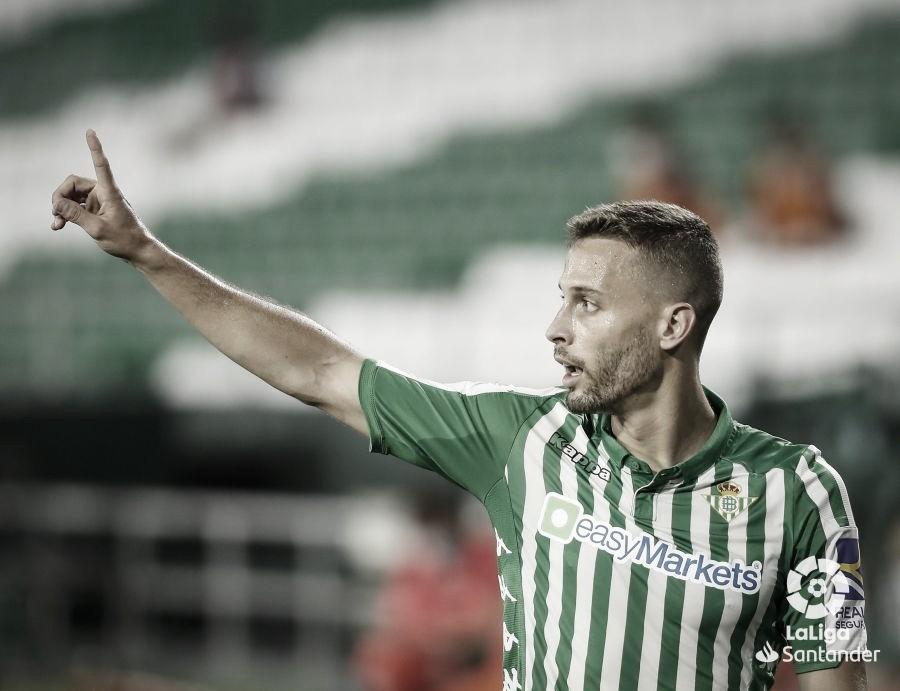 Sergio Canales en un partido en el Villamarín. Fuente: La Liga