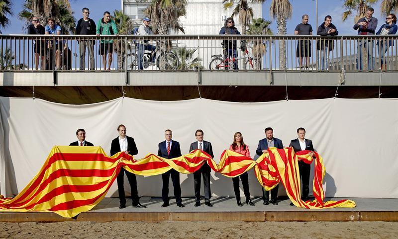 CiU cae 12 escaños con el 90% escrutado. Elecciones catalanas en directo online