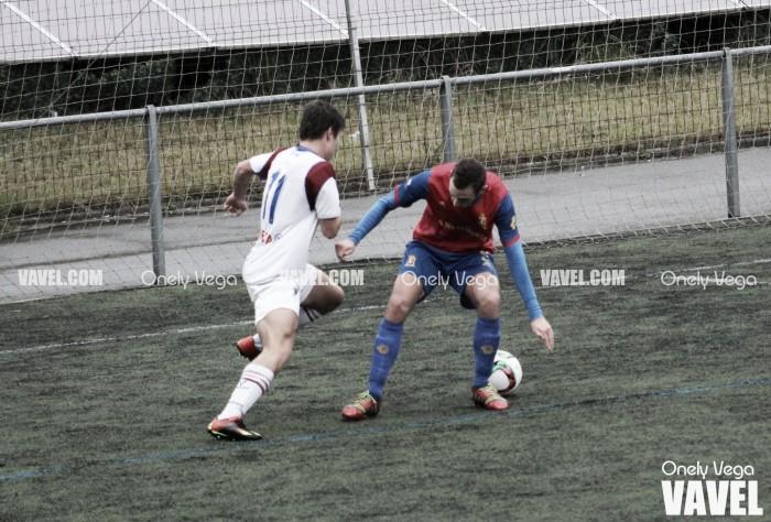 Fotos e imágenes del TSK Roces 0-2 Condal Club, Tercera División Grupo 2
