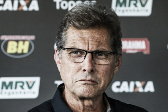 Oswaldo de Oliveira: acompanhe ao vivo a coletiva após a demissão do treinador