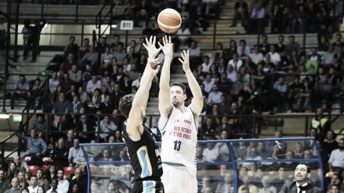 Legabasket - Cantù all'ultimo secondo la spunta su Cremona (72-71)
