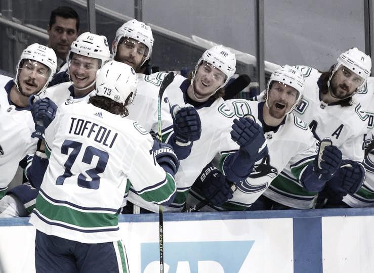 Tampa Bay empata la serie y Vancouver enseña los dientes