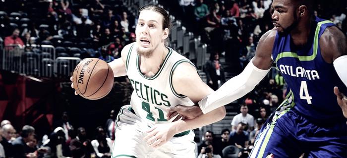 NBA - Cavs sul velluto, Thomas batte gli Hawks sulla sirena