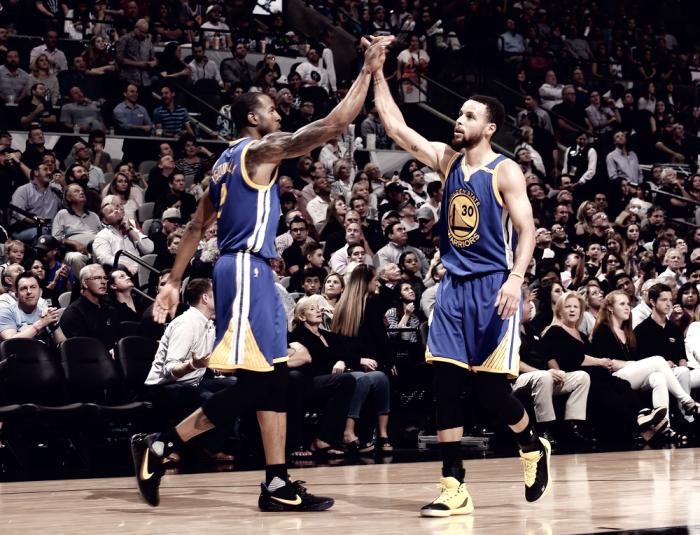 NBA - Golden State espugna San Antonio e ipoteca il primo posto ad Ovest