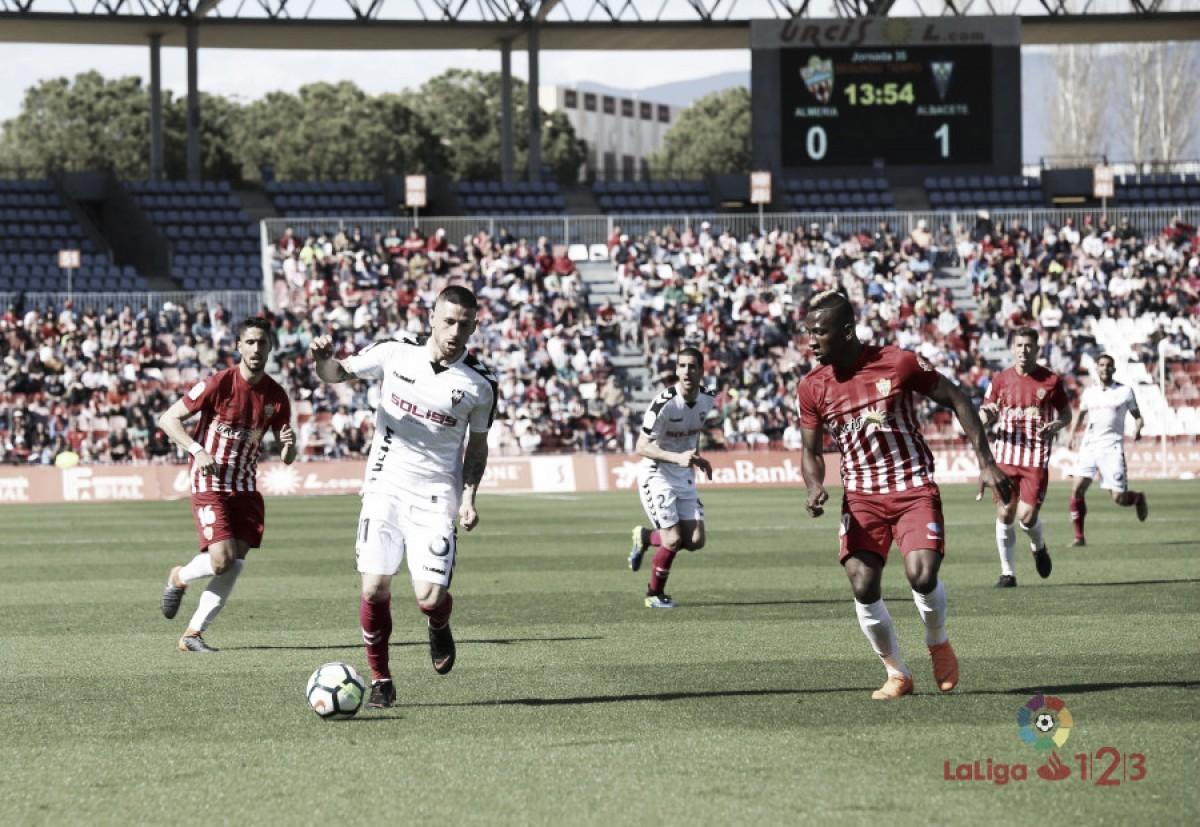 El Albacete prolonga en Almería su buena racha como visitante