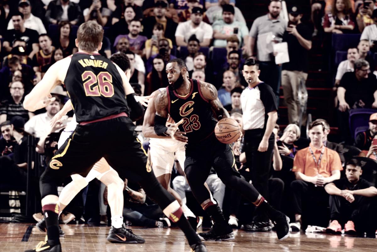 NBA - Cavaliers vincenti a Phoenix, New Orleans di misura sugli Hornets