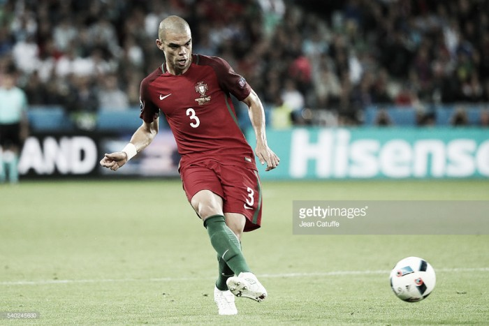 Alerta central nas quinas: Pepe contraiu lesão muscular e pode falhar a meia final