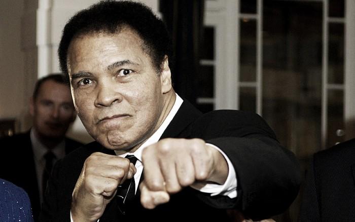 O desporto mundial vê partir uma lenda: o mítico pugilista Muhammad Ali faleceu aos 74 anos