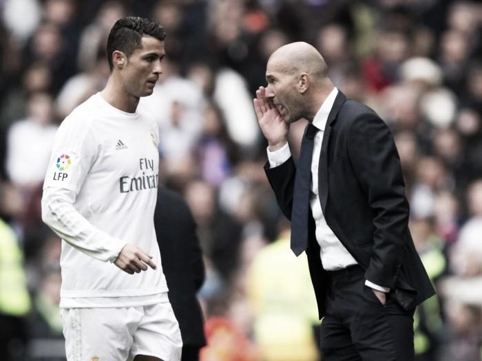 Cristiano Ronaldo e Zinedine Zidane: duas lendas vivas que há 10 anos se cruzaram nas 4 linhas