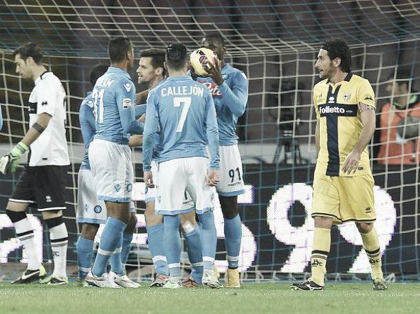 Il Napoli torna a vincere e affossa il Parma: finisce 2-0 al San Paolo