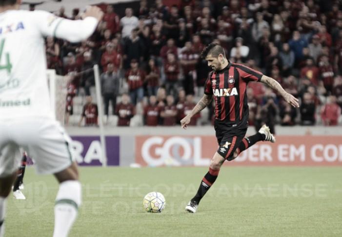 Na Arena Condá, Chape recebe Atlético-PR buscando equilíbrio no Brasileirão