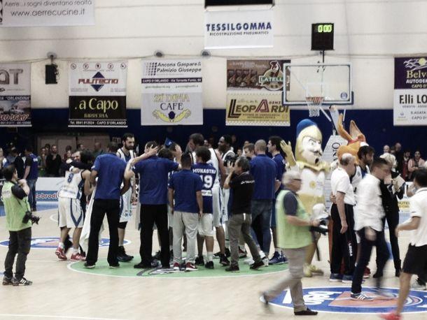Basket, Capo d'Orlando ora sogna: battuta anche Reggio Emilia