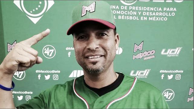 Juan Gabriel Castro, manejador de México en el Premier 12