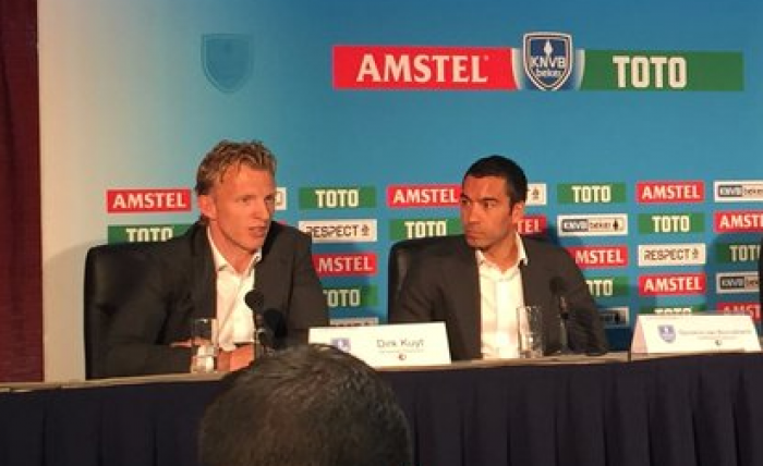 """Van Bronckhorst: """"Quiero ganar el trofeo y hacer felices a los nuestros"""""""