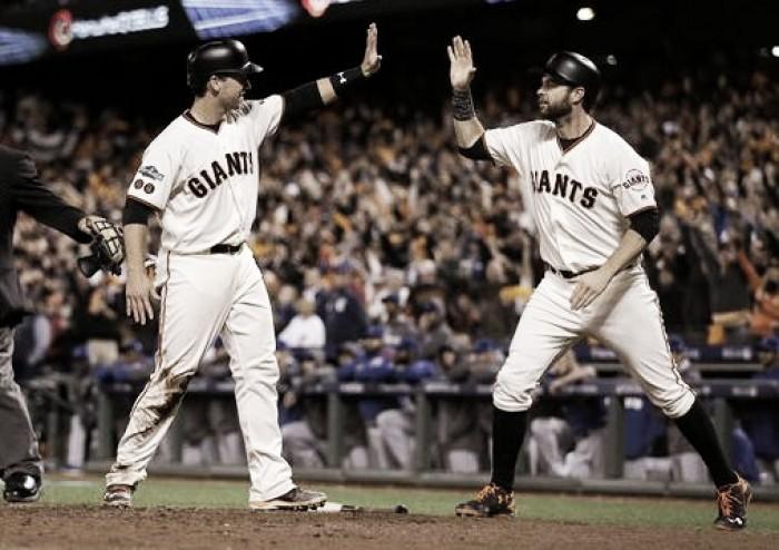 Panik mantiene con vida a Giants en el tercero de la serie.