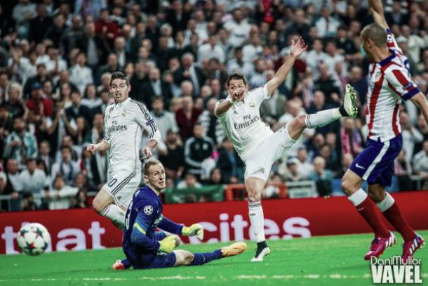 James y Chicharito, en el XI ideal de la vuelta de cuartos de Champions League