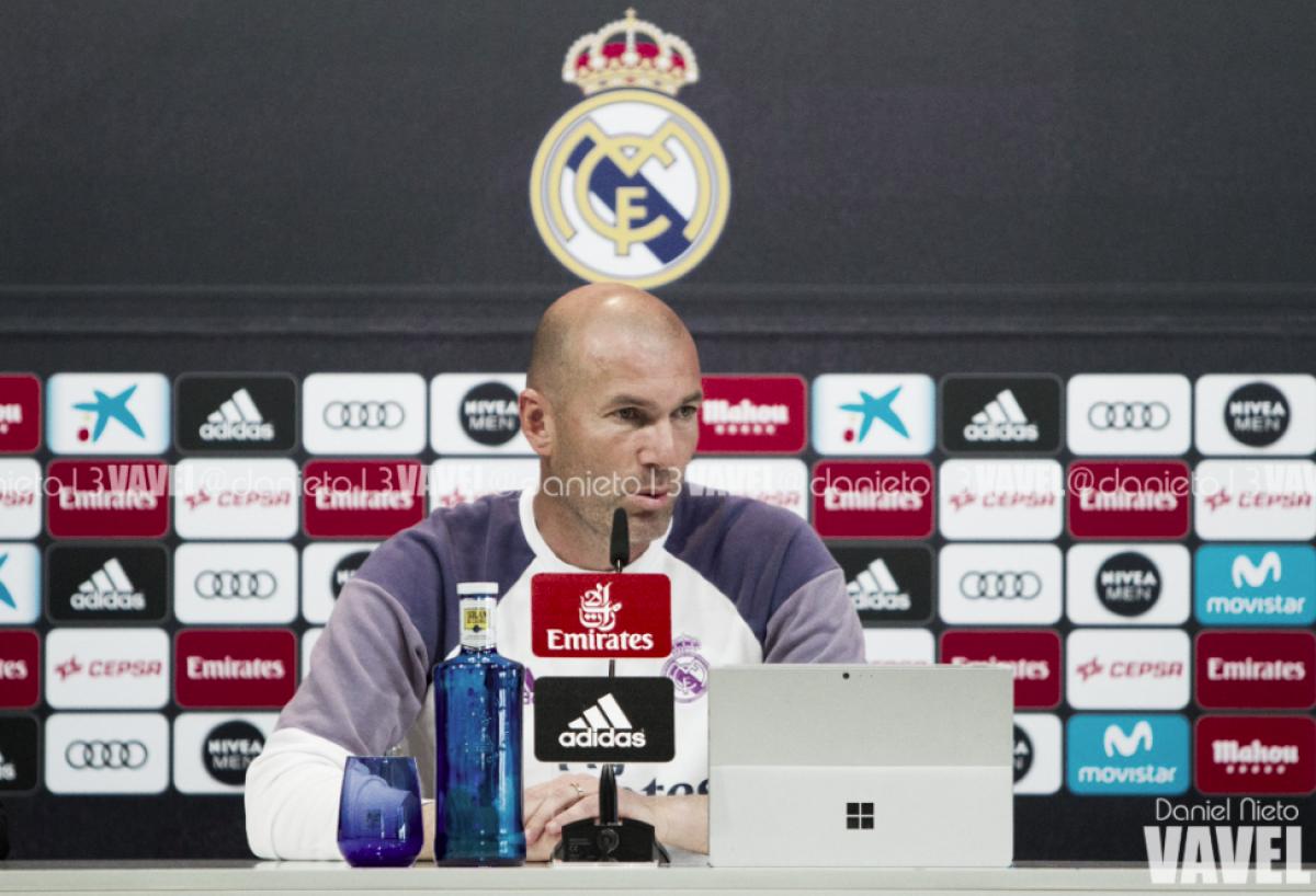 """Zidane: """"¿Neymar? Hasta que no acabe la temporada no hablo de fichajes"""""""