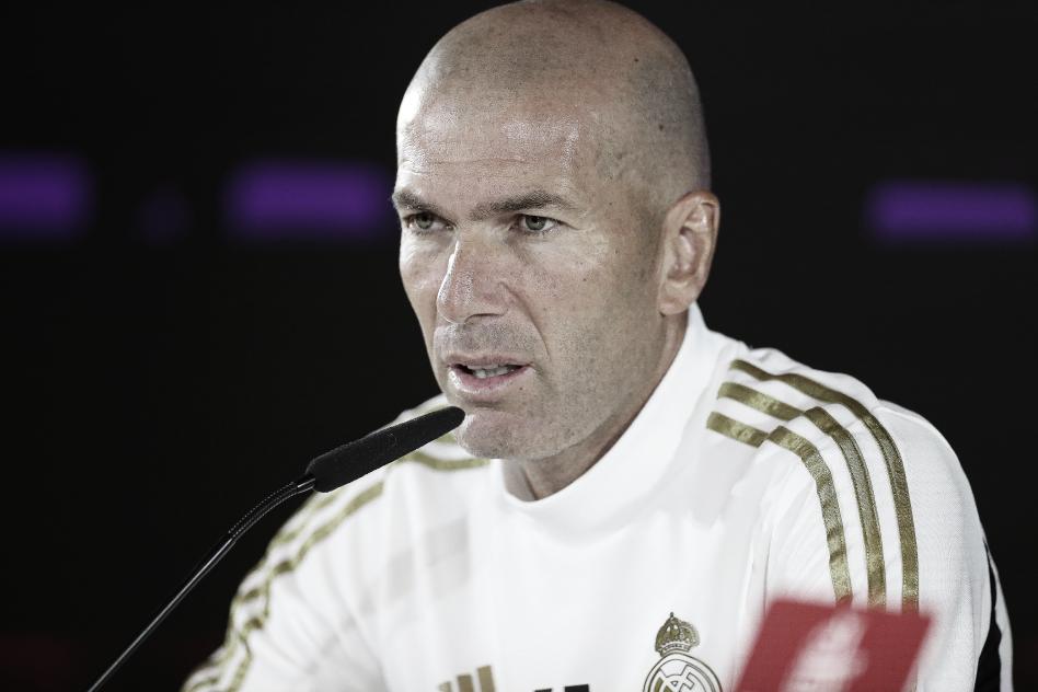 """Zidane: """"Me veo con fuerza para seguir en el Real Madrid"""""""