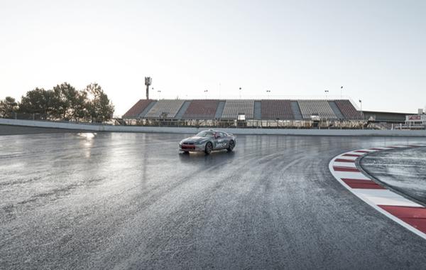 La nueva curva 10 del Circuit entra en acción