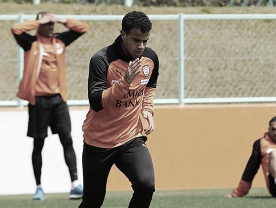 Esperança de gols no Japão, Carlinhos vive expectativa para início do campeonato