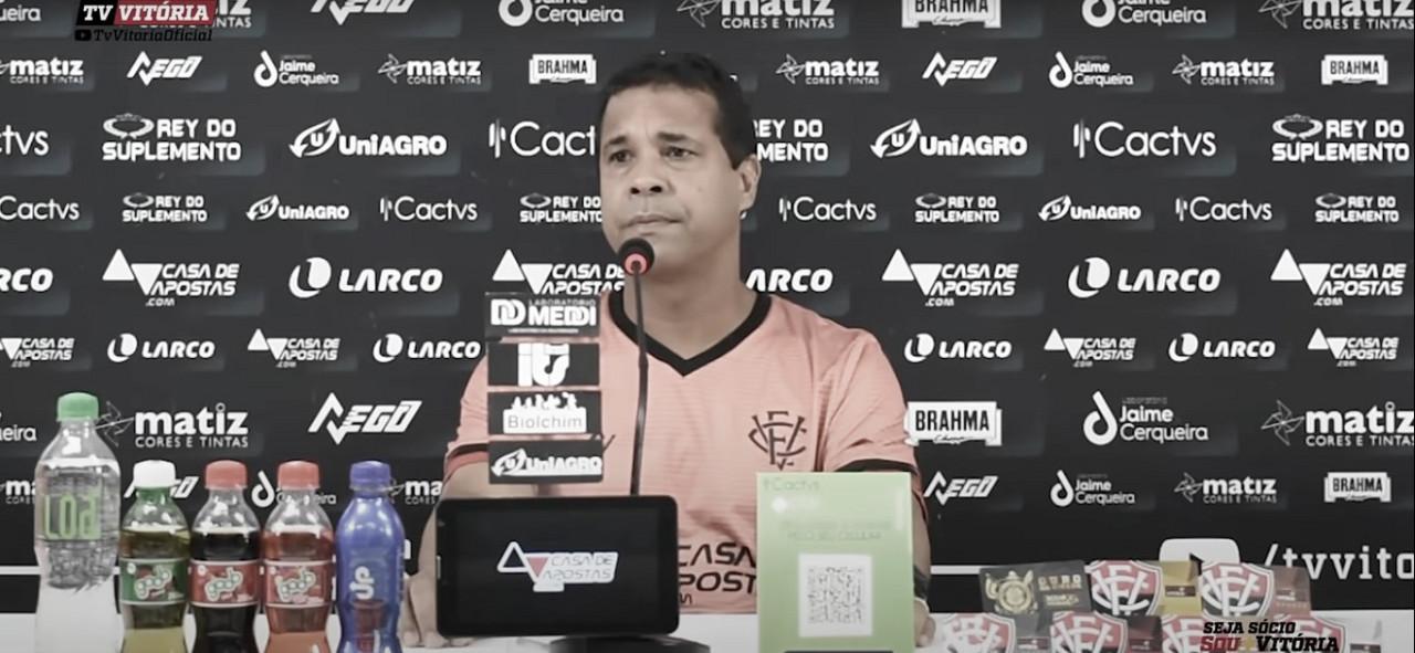 """Rodrigo Chagas reprova atuação do Vitória contra Internacional: """"Deixamos jogar"""""""