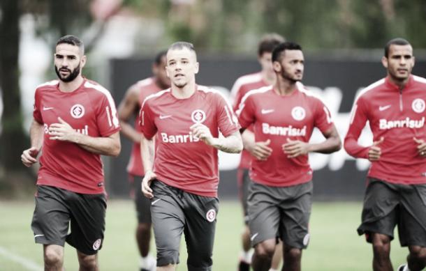 Internacional se reapresenta após vitória contra Grêmio visando jogo com Fluminense