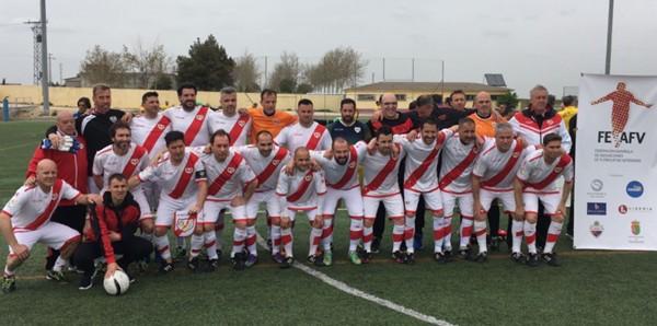 Los veteranos del Rayo Vallecano se enfrentan al equipo del Hospital Universitario Infanta Leonor