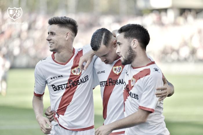 El Rayo arrolla ante su afición a un Valladolid sin ideas