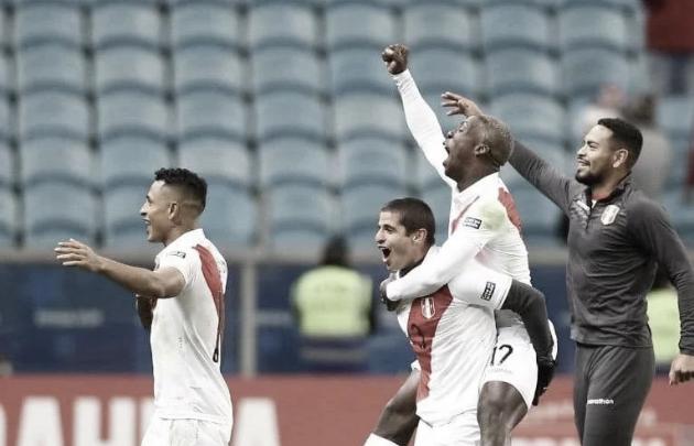 Luis Advíncula, subcampeón con Perú en la Copa América