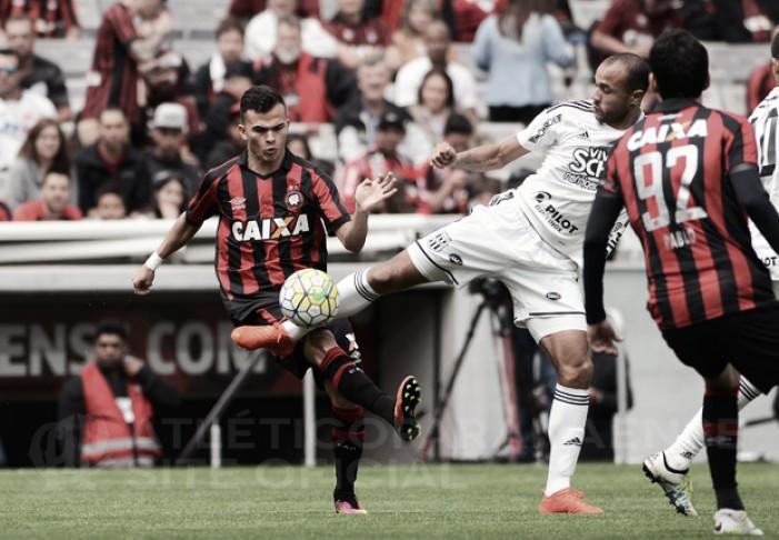 Thiago Heleno marca duas vezes e Atlético-PR supera Ponte Preta na Arena da Baixada
